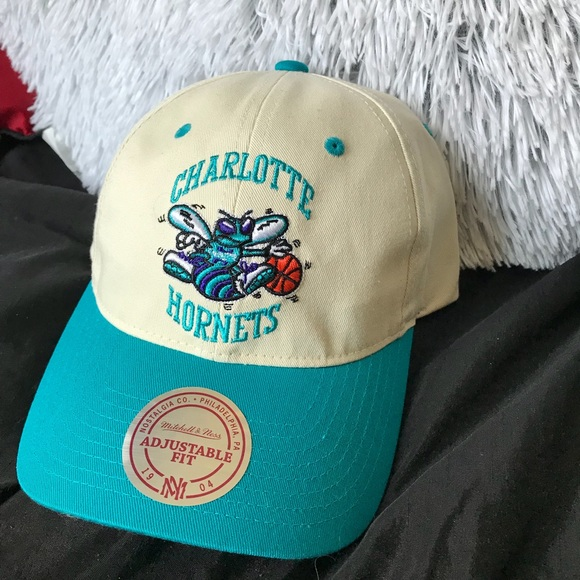 587a8c57cea Hornets unisex DAD HAT Mitchell   Ness